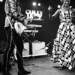 Fatoumata Diawara & Matthieu Chedid (c) Claude Dussez
