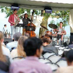 Cully Jazz Estival 2021 – Kolmoset trio (c) LoOrent